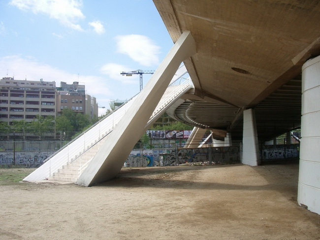 Bac de Roda Bridge 9