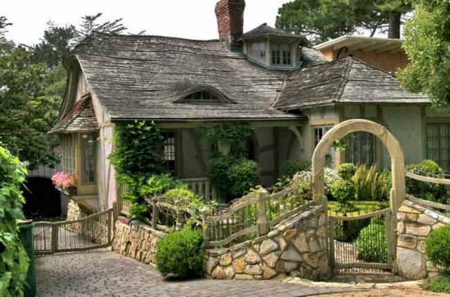 Fairy tale house in carmel by the sea for How to build a house in california