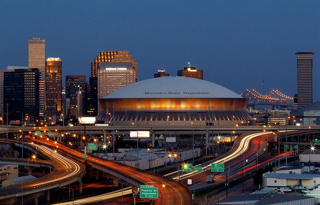 the mercedes benz superdome in new orleans louisiana