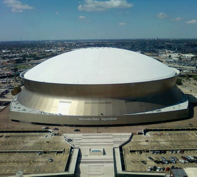 Louisiana Dome House: The Mercedes-Benz Superdome In New Orleans, Louisiana