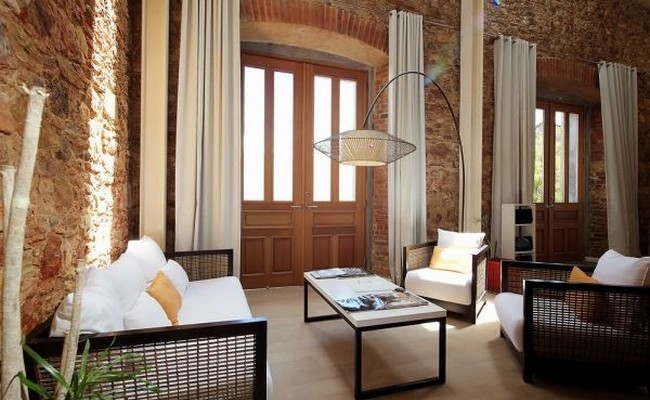 Duplex From A Historic Panama Building 00001