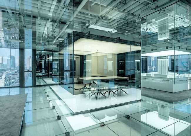 The Use Of Glass Throughout Creates A Highly Complex Building Which Never  Seizes To Amaze And From The Entrance You Pass Through An All White  Corridor In ...