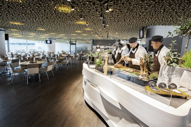 Business club in the allianz arena by cba clemens bachmann for Bayern design hotel