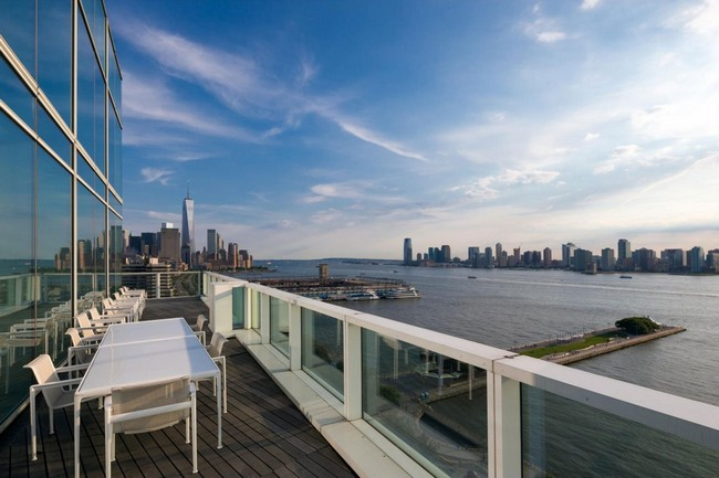 Elegance in the meatpacking district by richard meier for 10 river terrace nyc