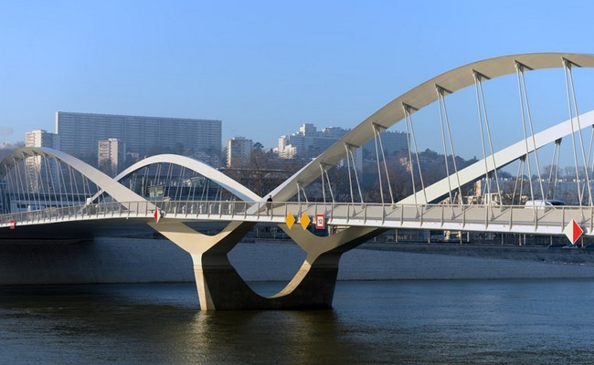 The Schuman Bridge 00001