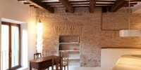 Modern And Traditional Apartment in Trastevere 00004